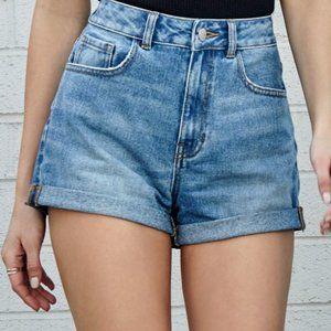 Levi's Denim Rolled Cuff High Rise Mom Shorts 29